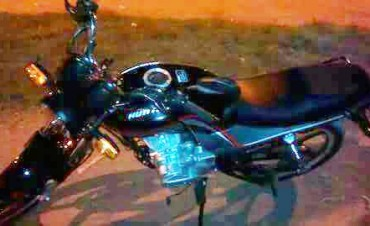URGENTE: Robaron una motocicleta y ofrecen $10.000 recompensa para que se la devuelvan