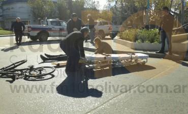 Un ciclista hospitalizado tras un fuerte impacto en el centro de la ciudad