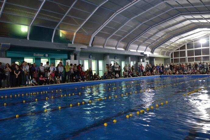 Este sábado se disputa un torneo regional de natación en Bolívar