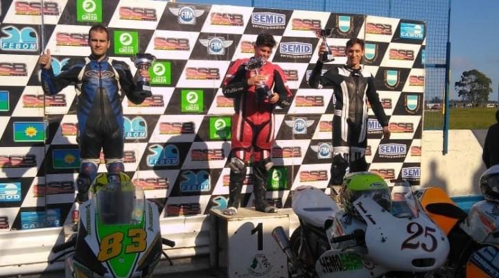 Motociclismo: Se disputó una nueva fecha del Super Bike Bonaerense.