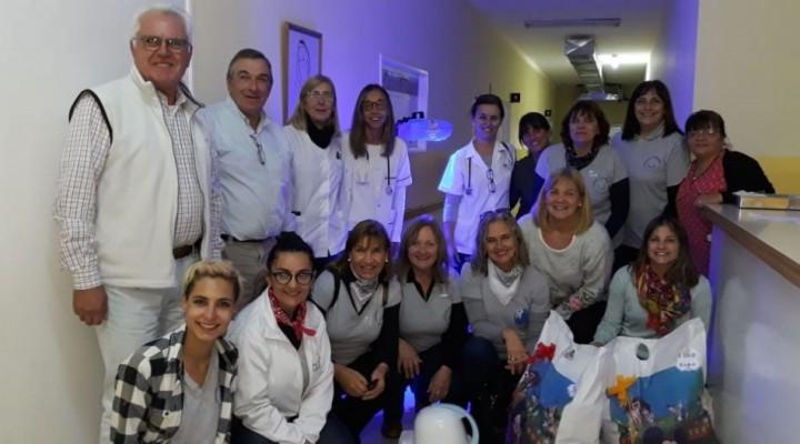 Uniendo Sonrisas hizo entrega de las donaciones al hospital