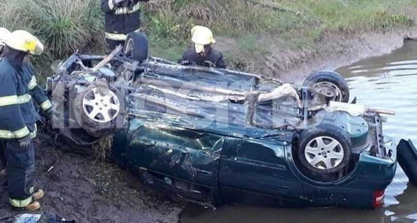 Fatal vuelco en la Ruta 226 altura de Espigas: Un muerto y dos heridos