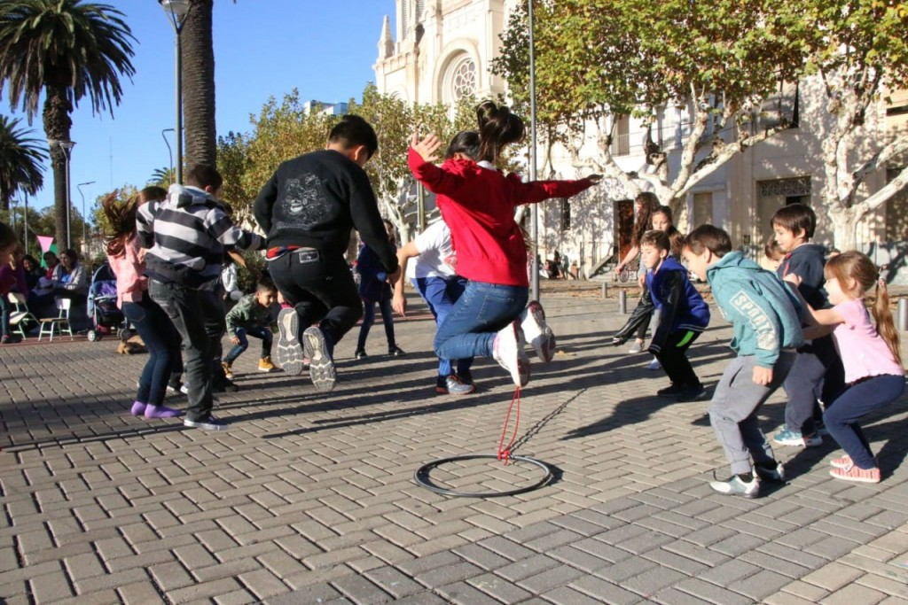 Bien Familia; Shows musicales, juegos y solidaridad en el Centro Cívico