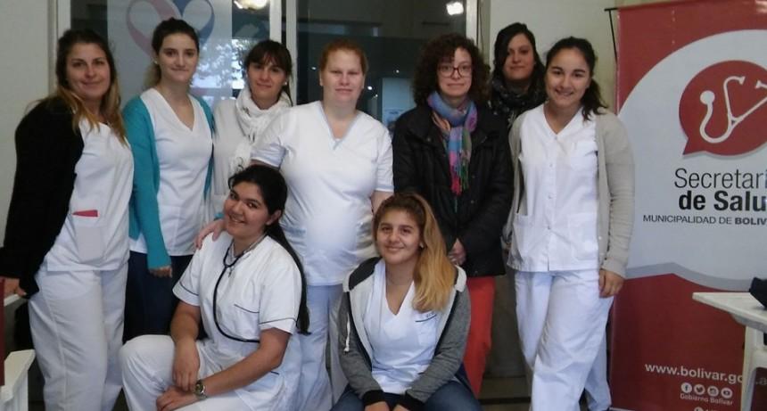 Estudiantes de enfermería realizaron controles de presión