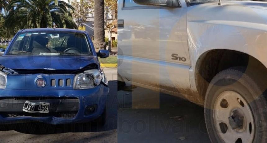 Impacto en Av. San Martin y Paso; solo daños materiales