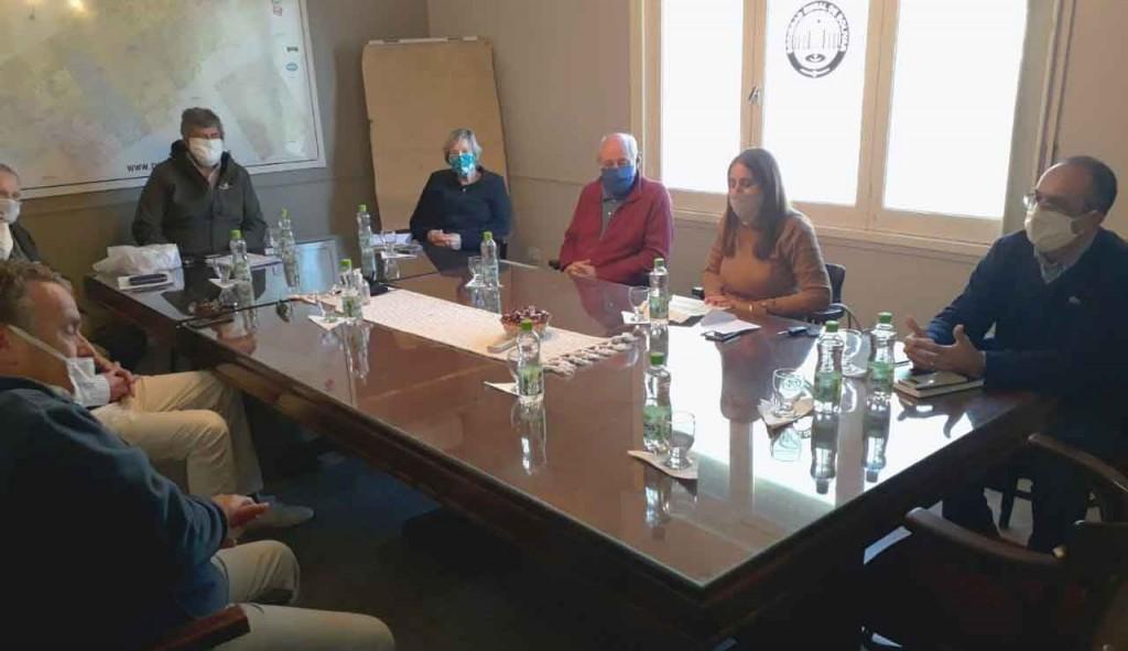 Pisano se reunió con representantes de la Sociedad Rural para destrabar las ferias ganaderas