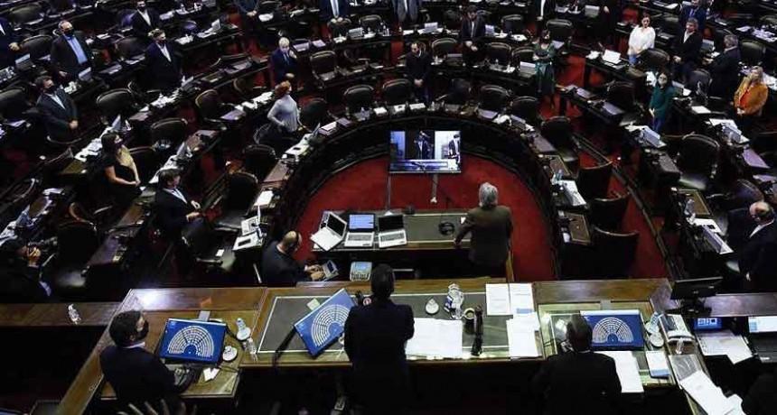 En la primera sesión virtual de su historia, el Senado avaló los decretos vinculados con la pandemia