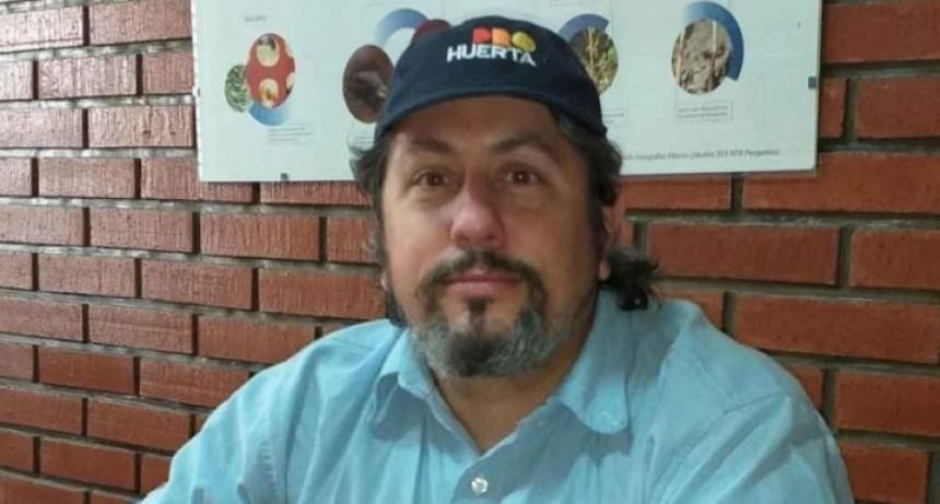 Ramiro Amado; 'Este año hemos entregado semillas a más de 400 familias'