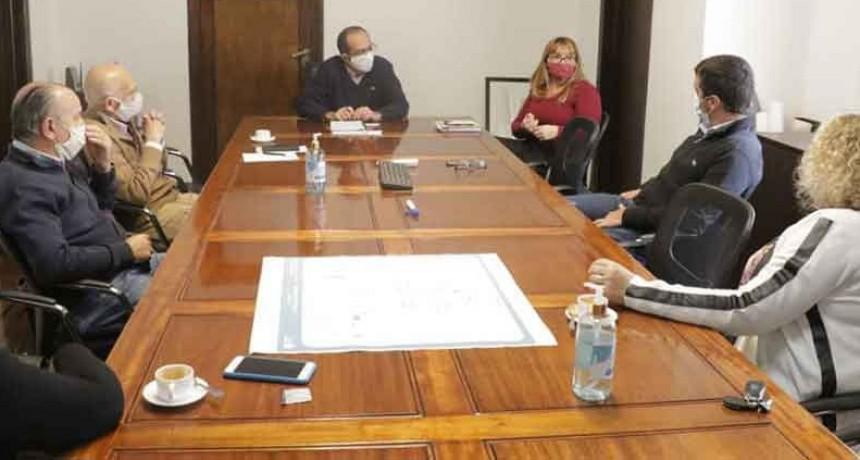 Pisano se reunió con contadores que han sido parte de la administración municipal