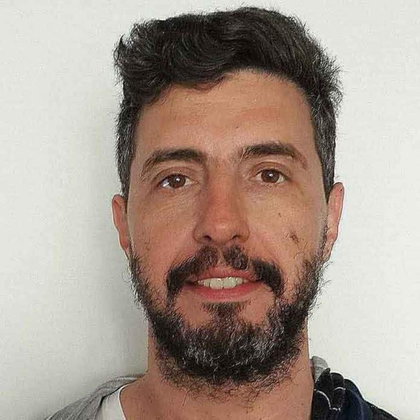 'Raúl; El hombre, el militante, el presidente y el mito' analizado por su creador Christian Remoli