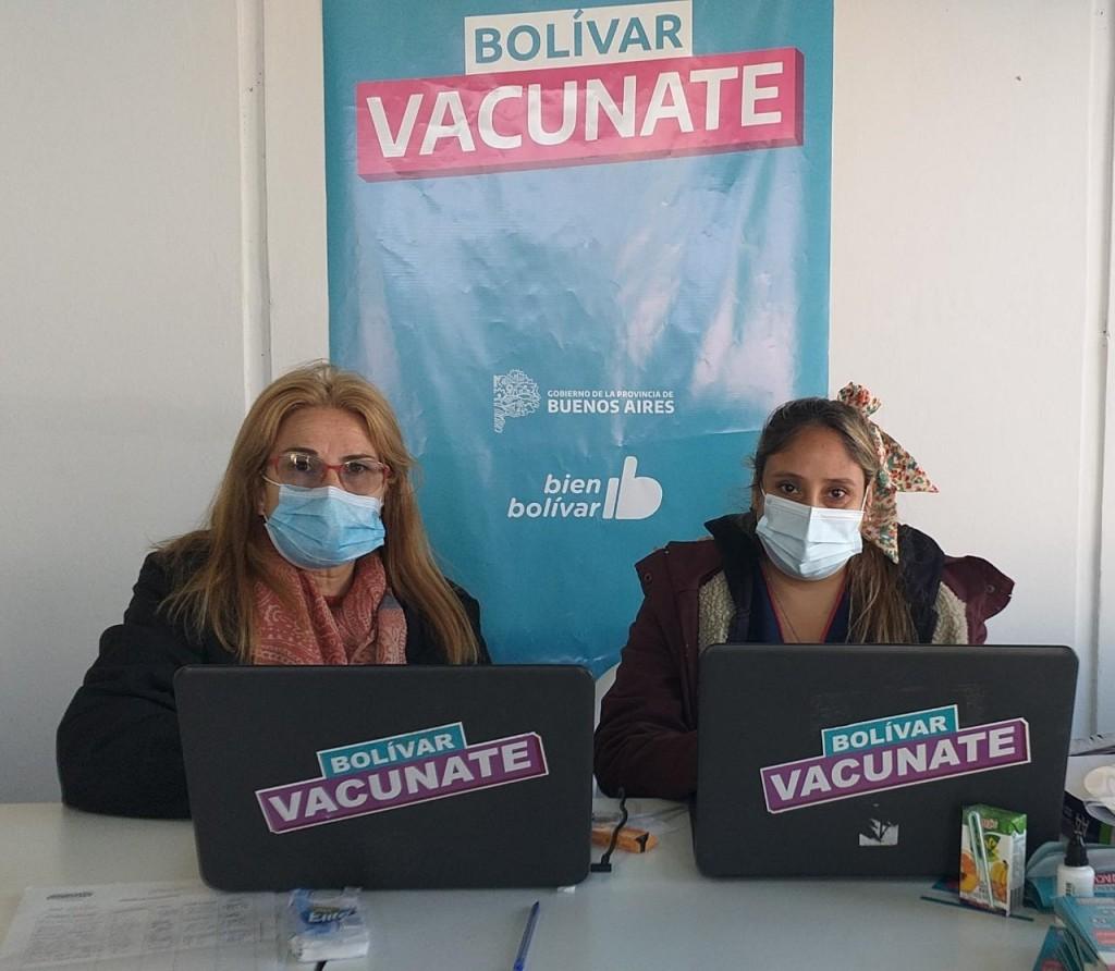 Mónica Piñel y Adriana Martinez desde el Vacunatorio Municipal: