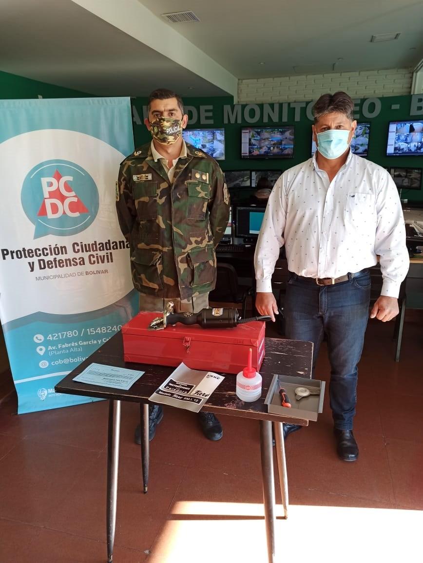 La municipalidad de Bolívar  entregó una peladora de animales vacunos, al Comando de Prevención Rural local