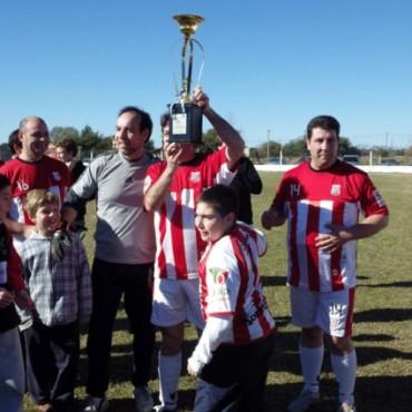 Empleados se coronó campeón del fútbol Senior