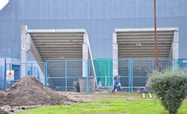 Ya está colocada la nueva tribuna del Complejo República de Venuzuela