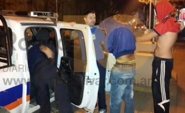La policía detuvo a tres jóvenes, involucrados en un robo en Villa Diamante