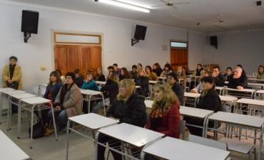 Se llevó a cabo una reunión informativa con estudiantes becados