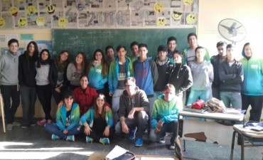 Estudiantes de 6to Sociales organizan Gran Peña Folclórica