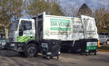Se realizan tareas de mantenimiento en los contenedores o Puntos Verdes