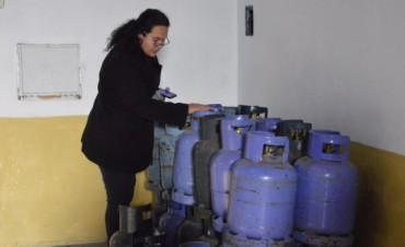 Desarrollo Social: Ya se trasladaron más de 500 garrafas a los barrios