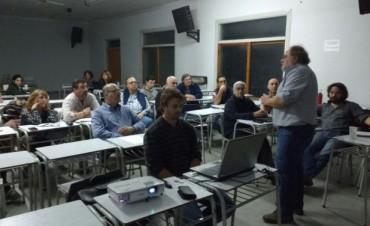 Este lunes se realizó un seminario sobre Agroecología en el CRUB