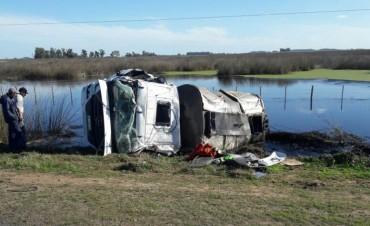 Dos heridos dejo el vuelco de un camión que trabaja en la reparación de la Ruta 65