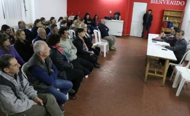 PAVIMENTO, MEJORAS EN LA PLAZA Y SEÑALÉTICA: El Intendente se reunió con vecinos del barrio San José