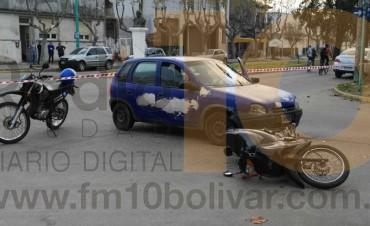 UN NUEVO ACCIDENTE: Moto y auto dejó a dos mujeres hospitalizadas