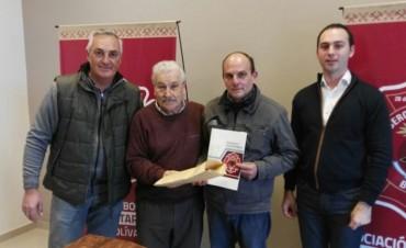 Se hizo entrega del premio por pago contado de la rifa anual de Bomberos Voluntarios