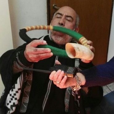 'El Indio' Coria atiende en Bolívar con técnicas milenarias de sanación