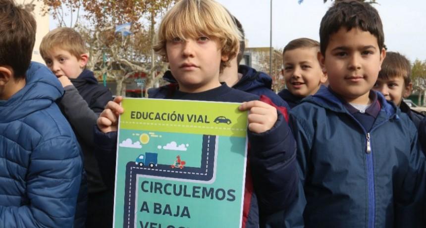 Alumnos del Cervantes realizaron una actividad junto a la agencia Jorgito Martínez Boero