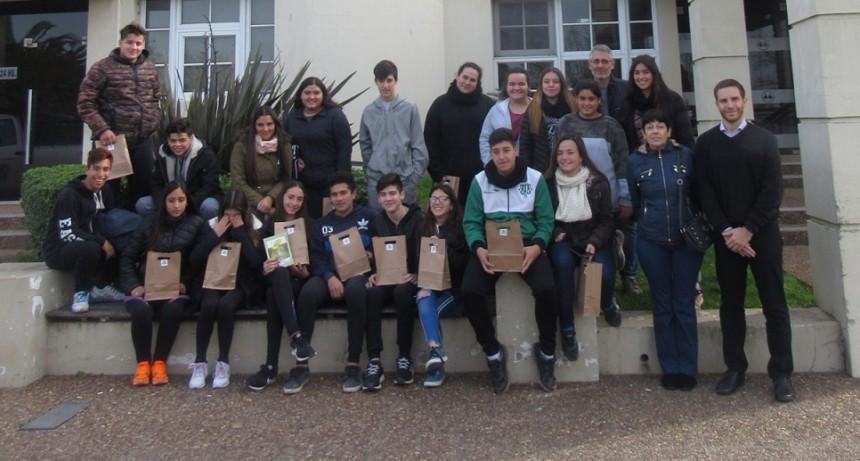 La cooperativa eléctrica realizó una jornada educativa con la escuela Secundaria N° 4.