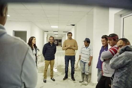 Pisano y Bucca recorrieron juntos la obra de la Escuela de Educación Especial N° 502