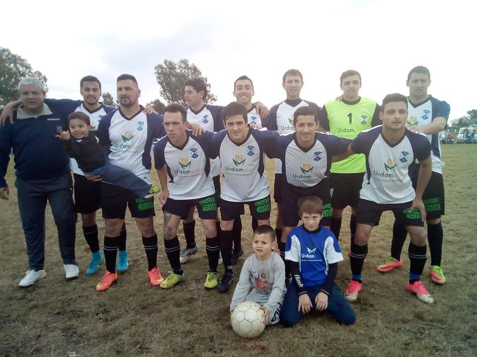 Con un triunfo por la mínima Agrario quedó como líder en la tabla de la 1º división