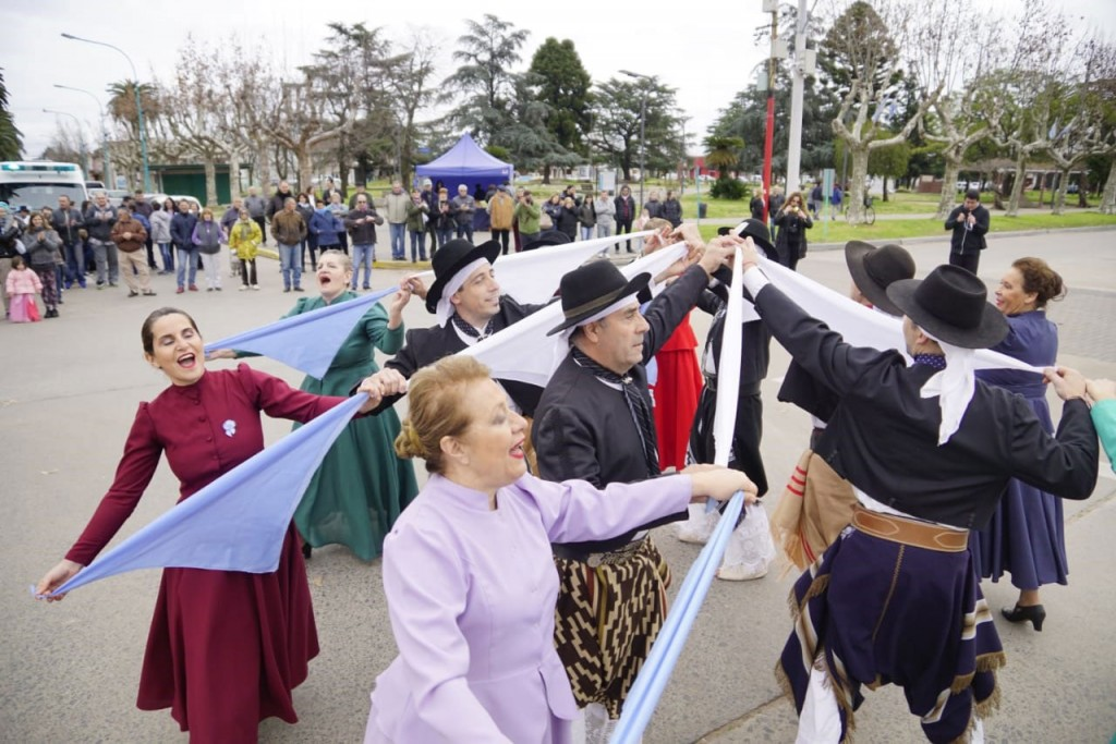 La Municipalidad convoca a instituciones para bailar el Pericón Nacional este 9 de julio