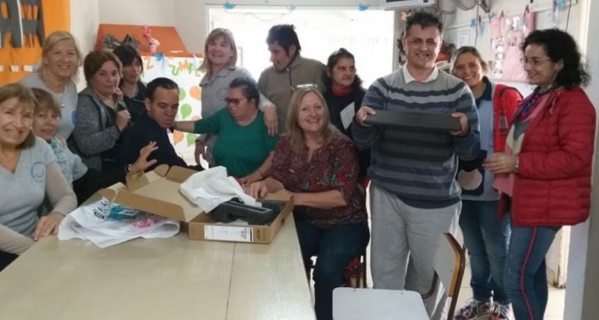 Las acciones solidarias de Uniendo Sonrisas no terminan; entregaron donaciones en la Escuela Especial Ntra Sra de Lujan