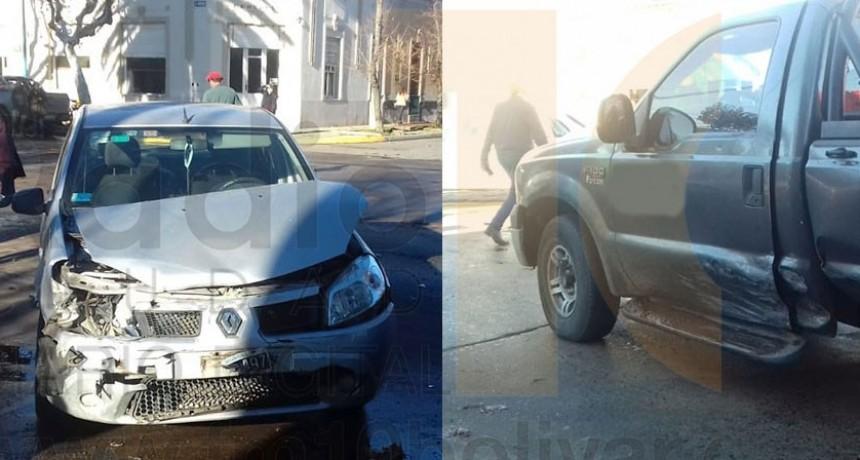Violento impacto en Av. Venezuela y calle Olascoaga; una persona fue derivada al hospital local a modo preventivo