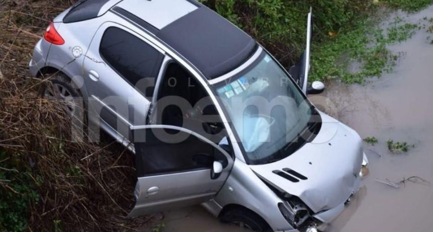 Olavarría: Fuerte choque en Ruta 226; un auto terminó en una zanja
