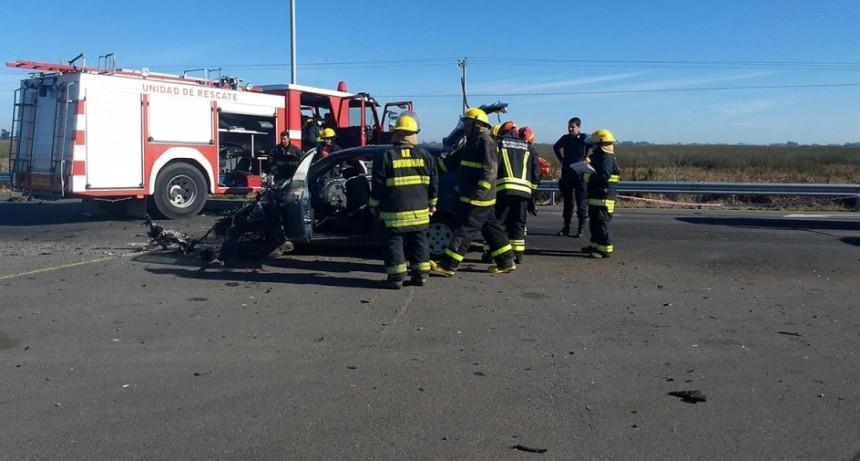 Fuerte colisión en Ruta 65 y acceso a Dudignac