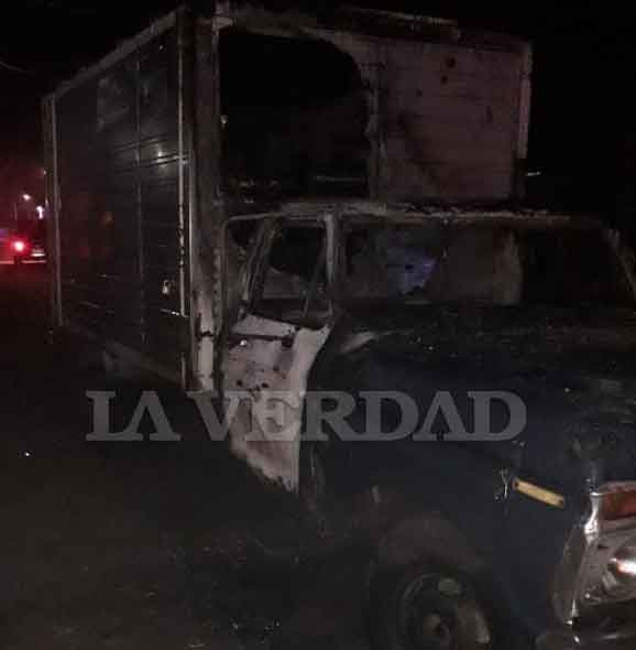 Junín; Prendieron fuego la camioneta del verdulero positivo de coronavirus