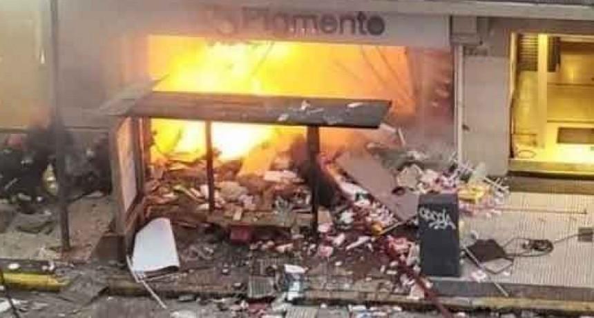 Explosión en Villa Crespo: aún se desconocen las causas del estallido y hay riesgo de derrumbe