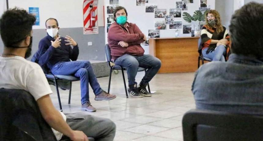 Pisano se reunió con estudiantes de ingeniería en el CRUB