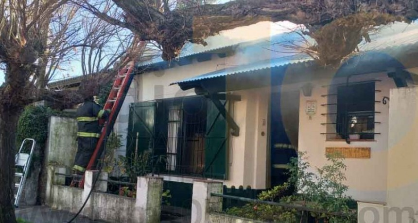 Principio de incendio en la chimenea de una vivienda en Barrio Obrero
