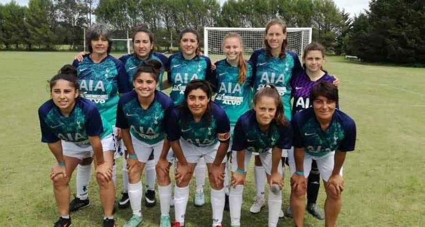 Mariana Andrada; 'El futbol femenino ha crecido gracias a que se dejaron los prejuicios de dividir los deportes por genero'
