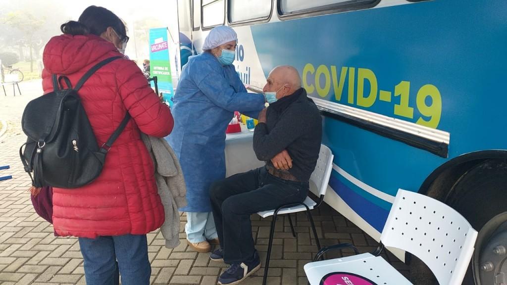 Desde este sábado, los mayores de 60 que no tengan turno, se pueden vacunar de manera espontánea