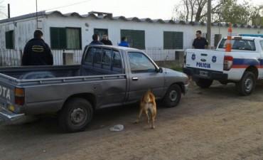 La policía allanó dos domicilios y secuestró varios elementos