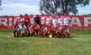 Casariego es el único puntero del Fútbol Senior y está a un punto del campeonato