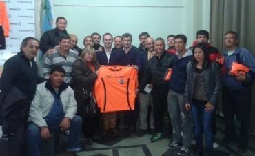 La Asociación de Árbitros de Bolívar presentó nueva indumentaria y recordó a Canepare