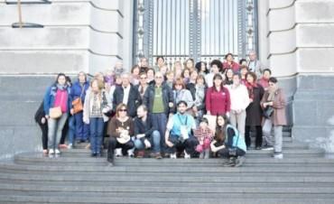 Dos contingentes de Adultos Mayores viajaron al Centro Cultural Néstor Kirchner