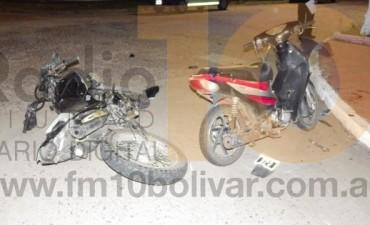 Colisión de dos motocicletas en Matheu e Ignacio Rivas