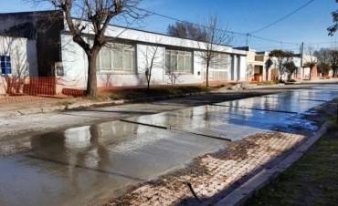Pavimento Contínuo: Avanza el pavimento en Villa Diamante